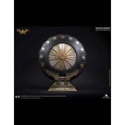 Wonder Woman: Shield -...