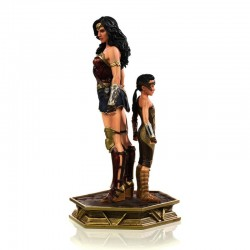 WW84: Wonder Woman & Young...